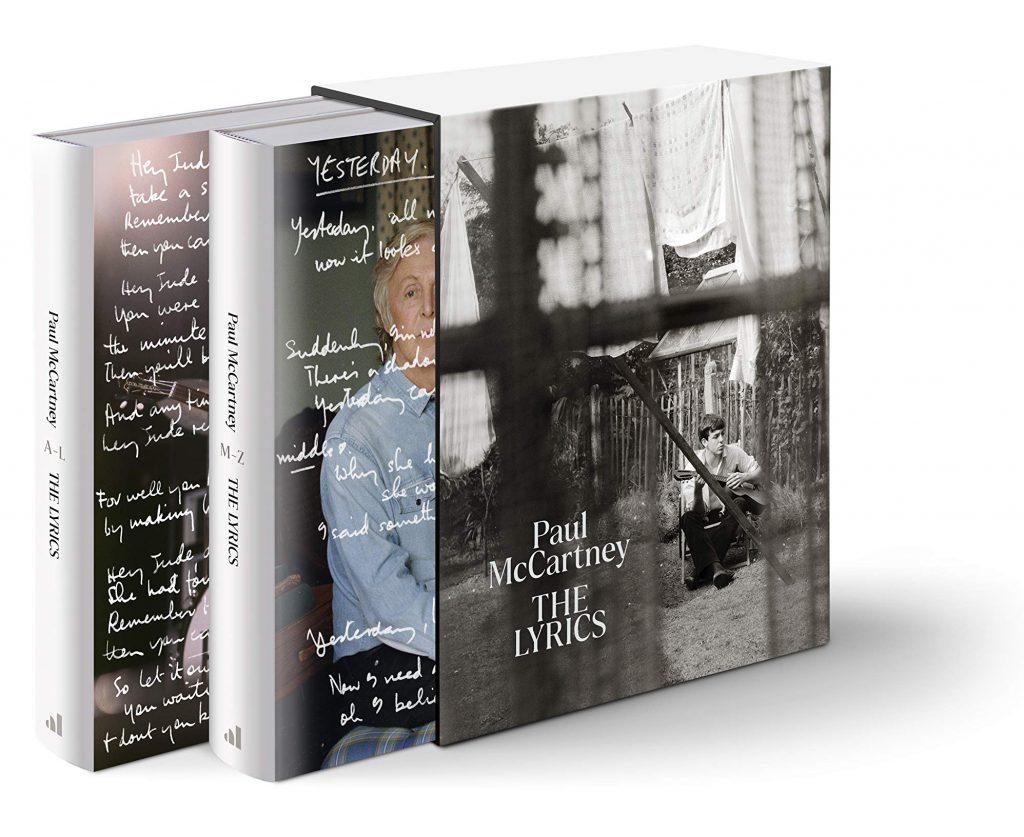 """The Beatles Polska: Paul McCartney opublikuje liczącą ponad 900 stron liryczną """"autobiografię""""."""