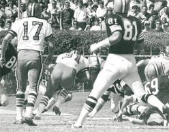 Jim Taylor , Billy Kilmer against the Cleveland Browns