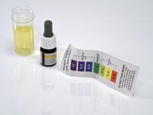 liquid pH test kit