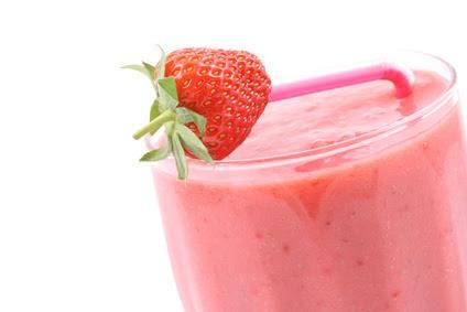 Elimina grasa, comiendo Fresas