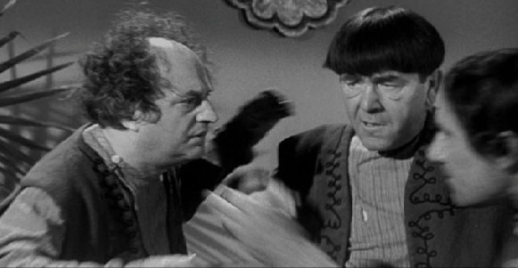"Shemp died before some of his Stooges shorts were completed, so a look-a-like ""Fake Shemp"" was used to fill in for those remaining scenes"