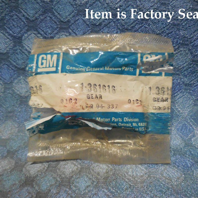 GM NOS Speedometer Driven Gear, 22 Teeth, Pink Color # 361616