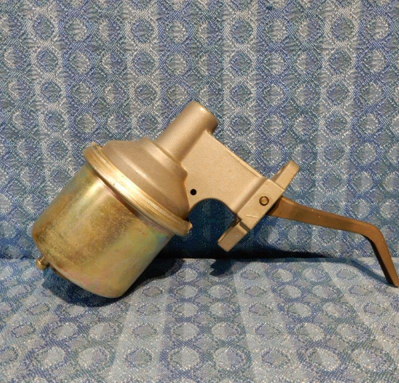 """1972 Cadillac Late Models NORS Fuel Pump #40965 3/8"""" Outlet (SEE DETAILS IN AD)"""