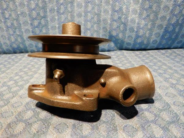1932-1936 Ford V8 NORS Water Pump Assembly 1933 1934 1935 1936