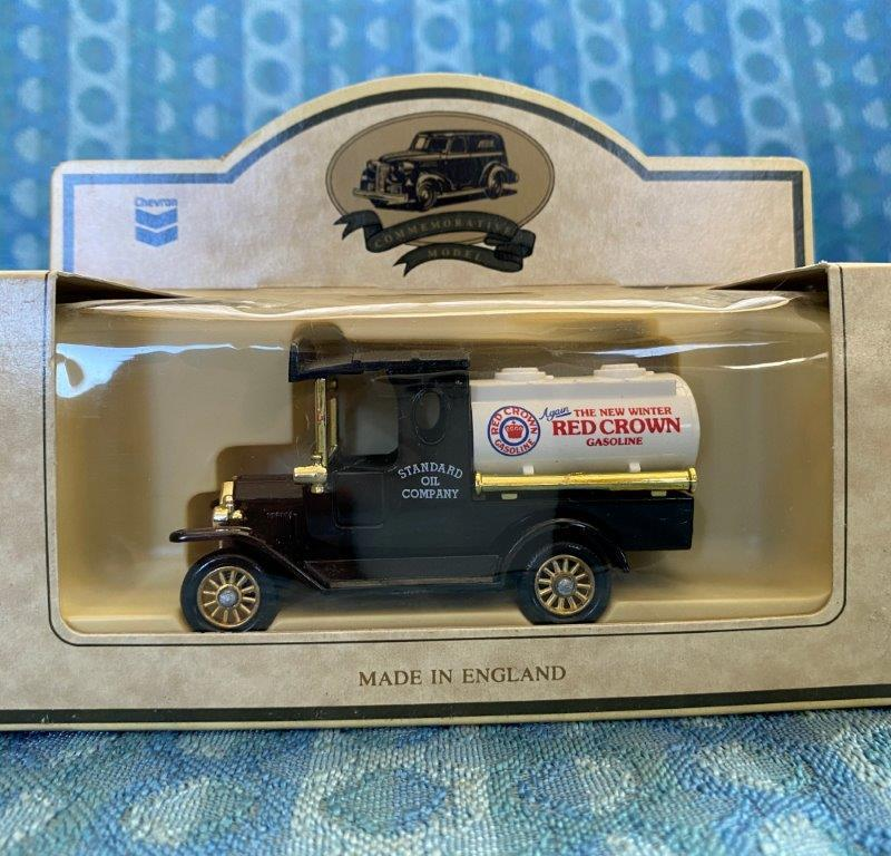 Chevron Commemorative Die Cast Metal Replica 1920 Ford Model T Red Crown Tanker