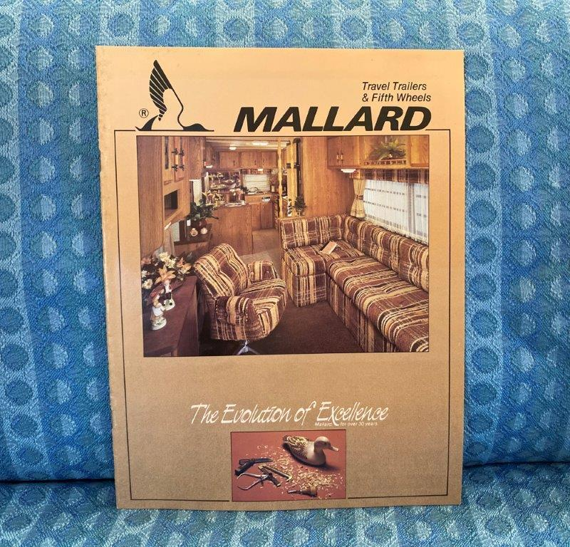 1986 Mallard & Flight Leader Travel Trailer & 5th Wheel Original Sales Brochure