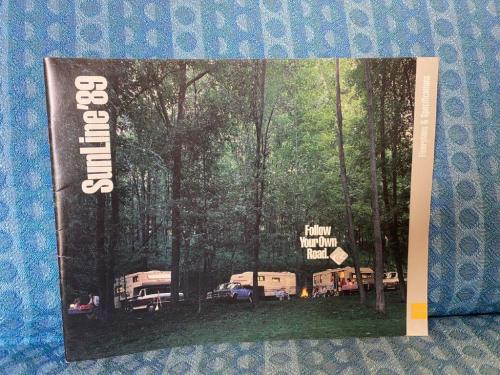 1989 Sunline Travel Trailers, 5th Wheels, Truck Campers Original Sales Brochure