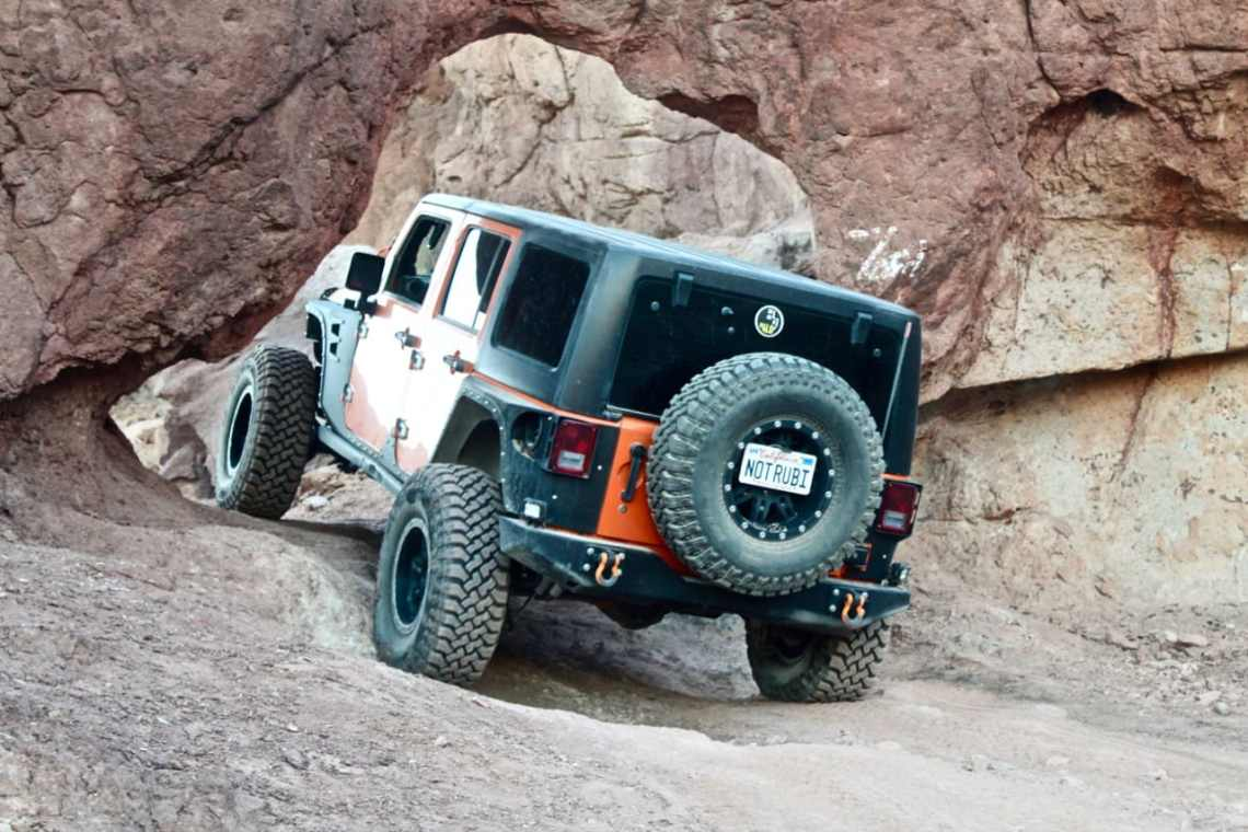 The Notarubicon Jeep going through Kramer's Arch