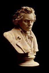 「ベートーヴェンの忌日」は音楽に耳を傾けながらお酒を楽しもう