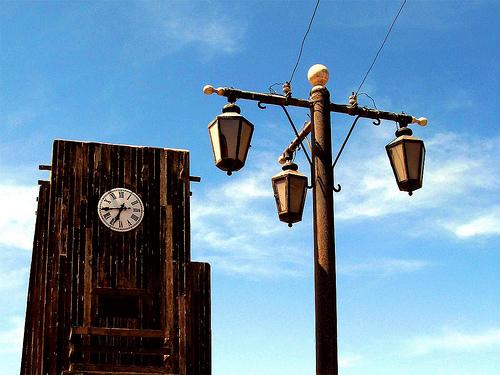 Reloj en la población minero de Humberstone, en Chile