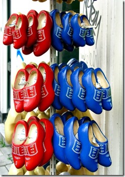 dutch-wooden-shoes