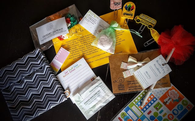 what's in the august crafty mail box