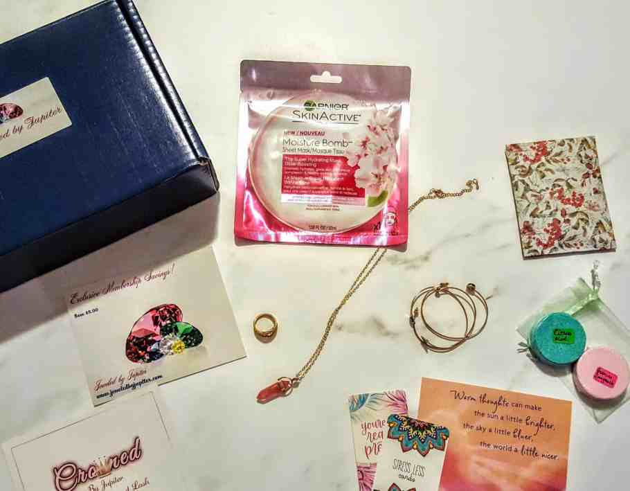 what's in the jeweled by jupiter box