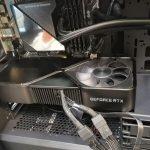 A Imagem Da Hands On Nvidia Geforce Rtx 3090 Founders Edition Mostra O Tamanho Gigantesco Da Placa E O Conector De Alimentacao Sem Ganho Notebookcheck Net News