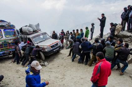 Nepalische Bergekünste auf dem Weg zum Lang Tang Trekking