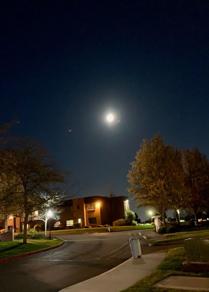 Super moon over Tacoma, WA, USA, April7, 2020