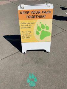 zoo sign: keep your pack together