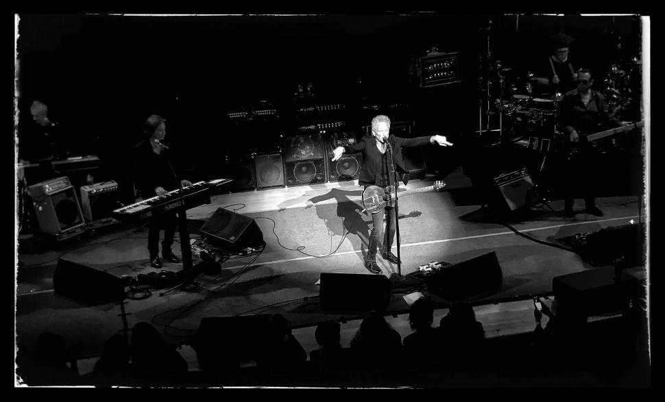 Lindsey Buckingham at Town Hall. With Michael Kianka (keyboards), Brett Tuggle (keyboards), Federico Pol (bass), and Jimmy Paxson (drums). Photo by Rick Stachura. December 4, 2018.
