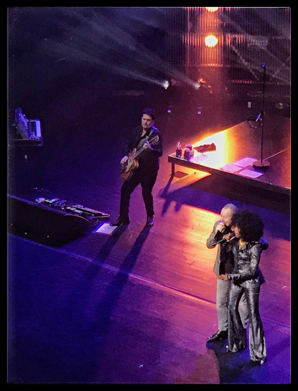 Charlie Burchill, Jim Kerr, and Sarah Brown of Simple Minds at Beacon Theatre. Photo by Rick Stachura. October 2, 2018.
