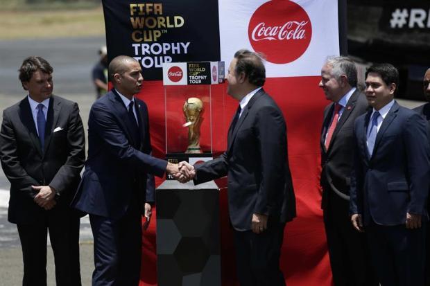 El trofeo del Mundial cautiva al continente y visita Nueva York