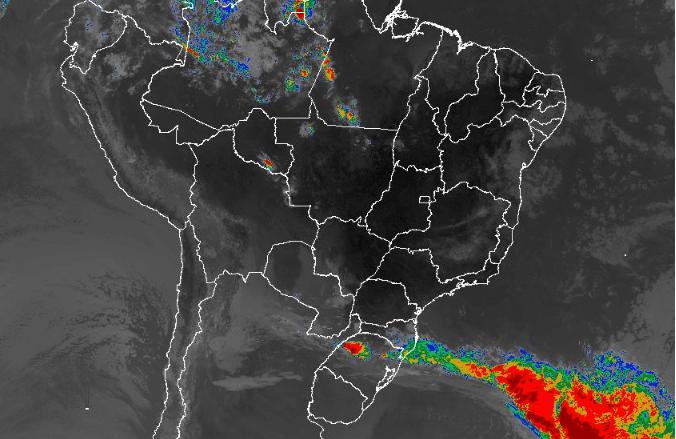Imagem de satélite nesta terça-feira (17) em todo o Brasil - Fonte: Inmet