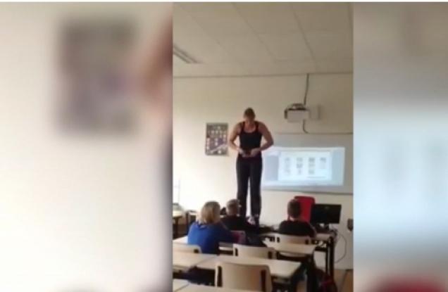 Locura total! Profesora se desviste para enseñar anatomía a sus ...