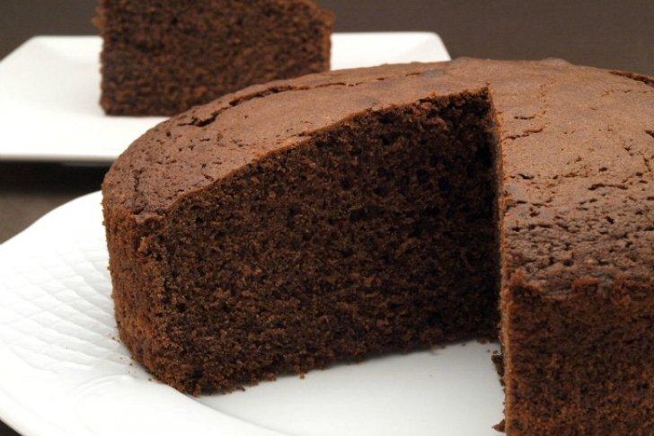 La Torta soñada para combatir la escasez, sin azúcar, harina ni mantequilla (Receta)