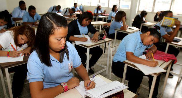 Liceos públicos y privados ahora evaluarán con notas del 1 al 5, vea los detalles