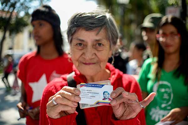 """Lo nuevo para los """"jefes de hogar"""" que tienen el Carnet de la Patria"""