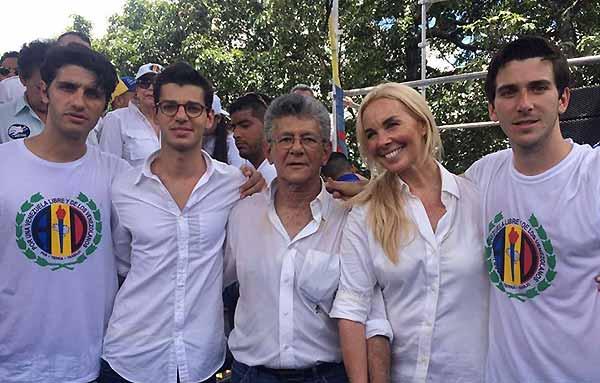 Ramos Allup y Diana D' Agostino sacan a sus hijos de Venezuela (Fotos)