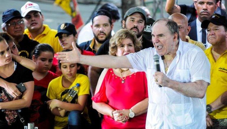 exilio regreso abdalá Bucaram ecuador