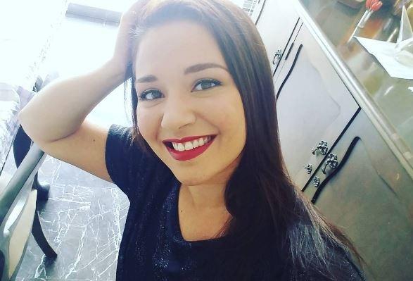 Daniela Alvarado se tatuó la muñeca y mostró el desastroso resultado (Imágenes)