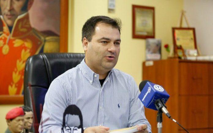 Ministro-de-salud-Luis-López