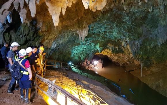 cueva en tailandia