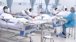 niños de tailandia en el hospital