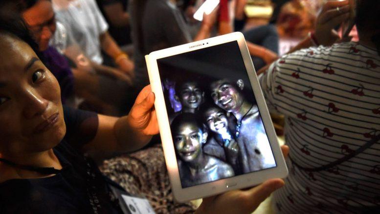niños en cueva de tailandia