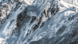Alpinista-sobrevive-avalancha
