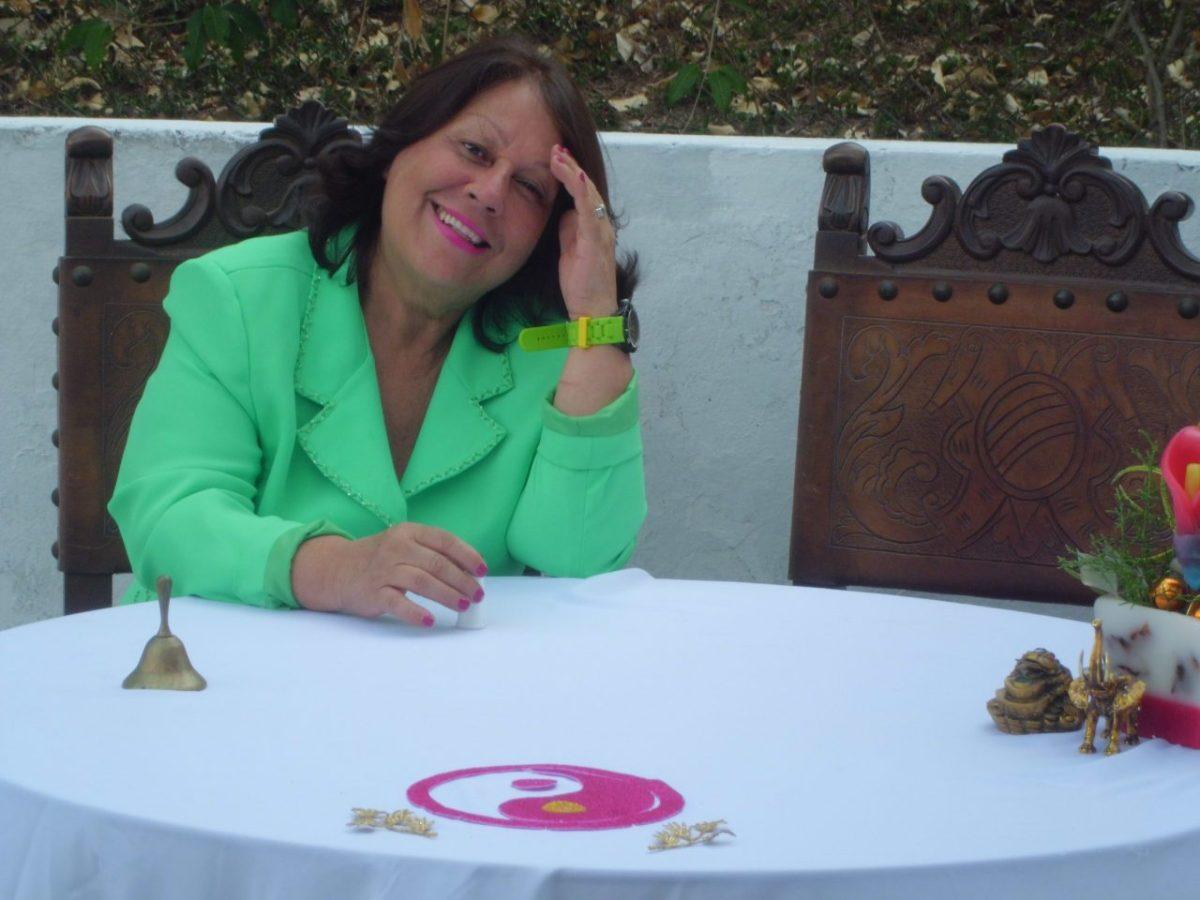 Predicciones de Nancy Salcedo: Una mujer ocupara la silla de Miraflores próximamente