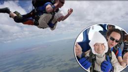 abuela de 102 años en paracaidas