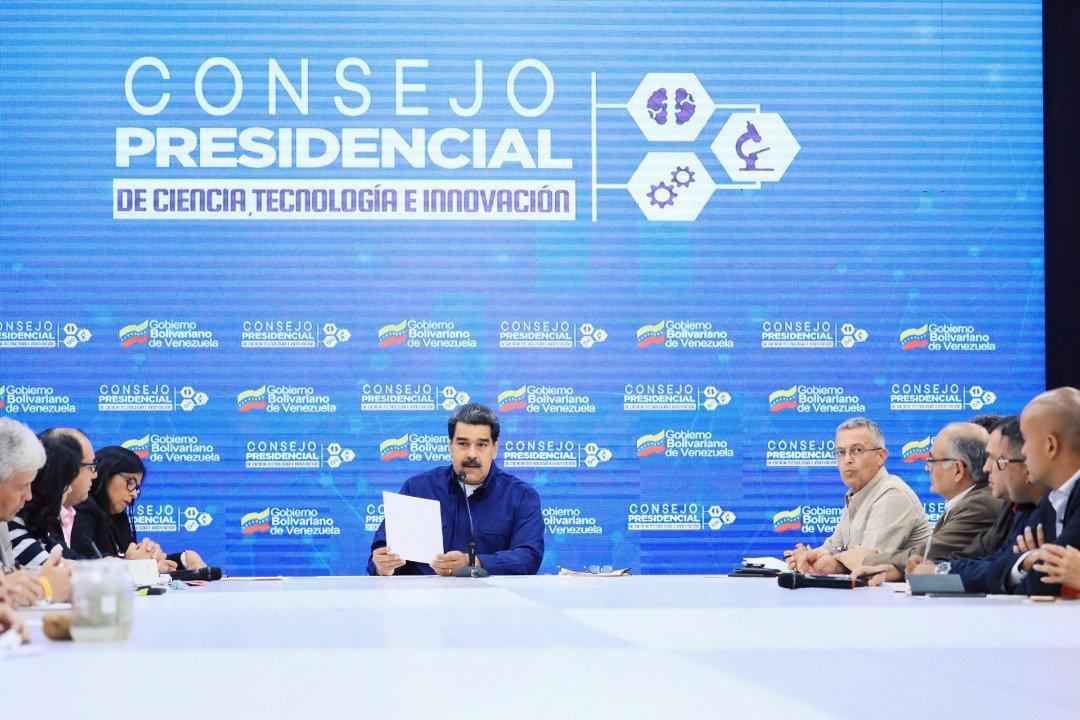Maduro aprueba nuevo bono y plan para recibir carros