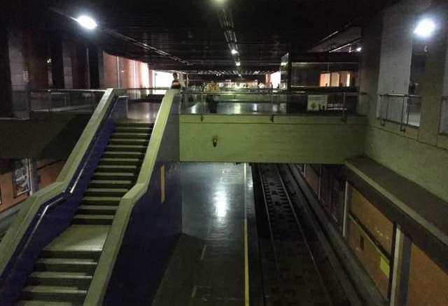 Metro-Caracas-sin-luz-apagon