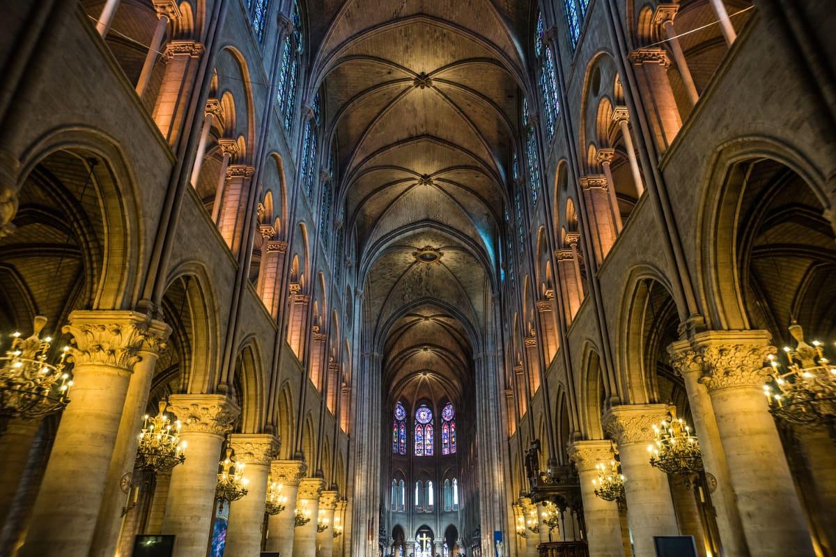 catedral de notre dame por dentro