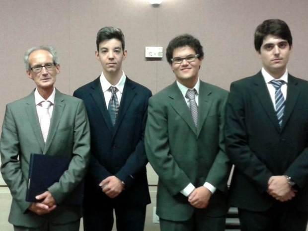 Foto Premio Jovenes Investigadores 2013