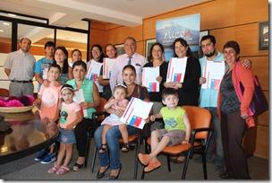 16 familias de Pucón cuenta con su subsidio habitacional (2)