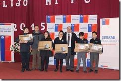 FOTO estudiantes de la comuna reciben PC de última generación