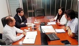 Reunion de alcalde en Santiago con EFE