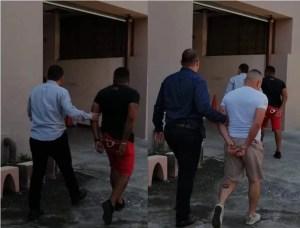 Los policias fueron detenidos uno en la delegacion y otro en su casa