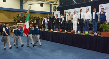 Preside Chucho Nader Ceremonia Cívica en el Félix de Jesús Rougier