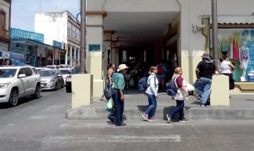 Artesanos no se saldrán de la bajada Juárez; piden certeza jurídica