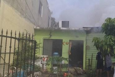 Incendian vagos vivienda abandonada en la Morelos